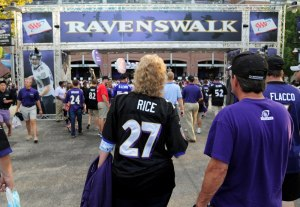 USP NFL: PITTSBURGH STEELERS AT BALTIMORE RAVENS S FBN USA MD
